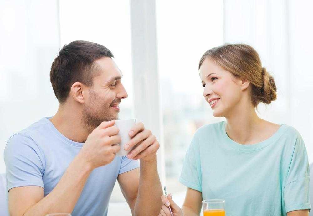 Si të Flasësh me Gruan që të Pëlqen pa e Djallosur