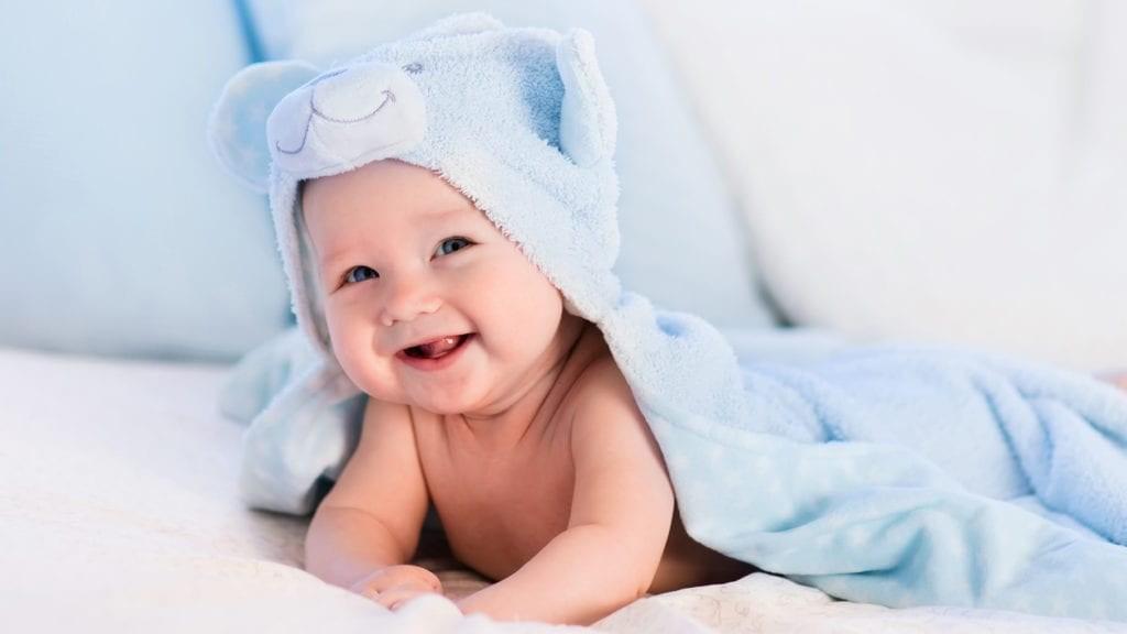 Viti i parë i foshnjës. Si zhvillohen foshnjat