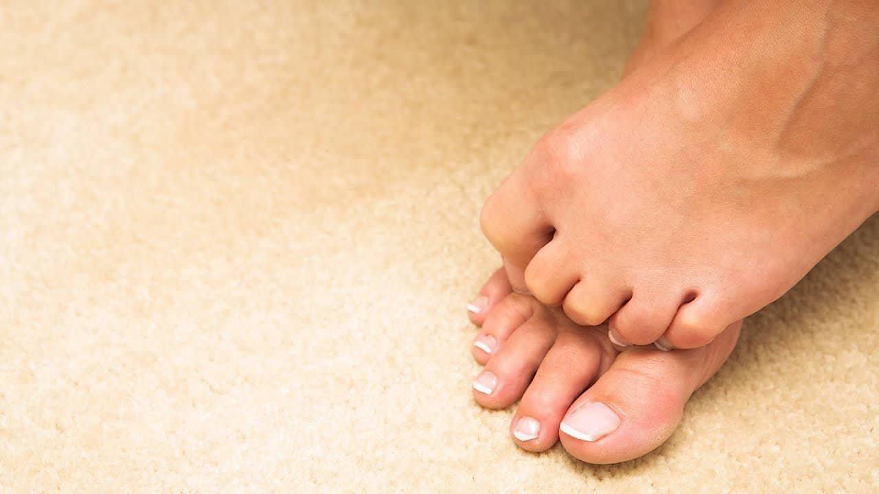 gishti i shtrembëruar i këmbës