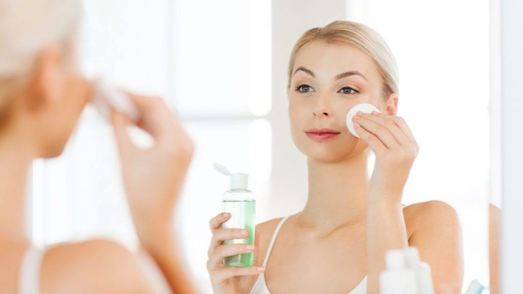 15 gjera qe duhet dhe nuk duhet te beni gjate pastrimit te fytyres