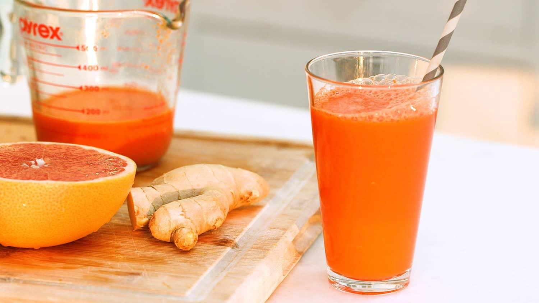 Lëng Portokalli me Karrota dhe Xhenxhifil - E Preferuara e Fëmijëve