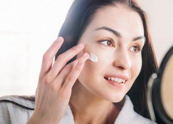 7 Gabime që bëni Gjatë Përkujdesjes për Lëkuren Tuaj