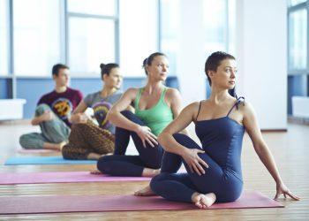 Cila është Koha Më e Përshtatshme Për të Bërë Yoga