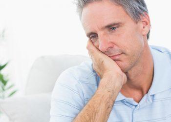 Shenjat dhe Simptomat e Niveleve të Ulëta të Testosteroneve tek Meshkujt