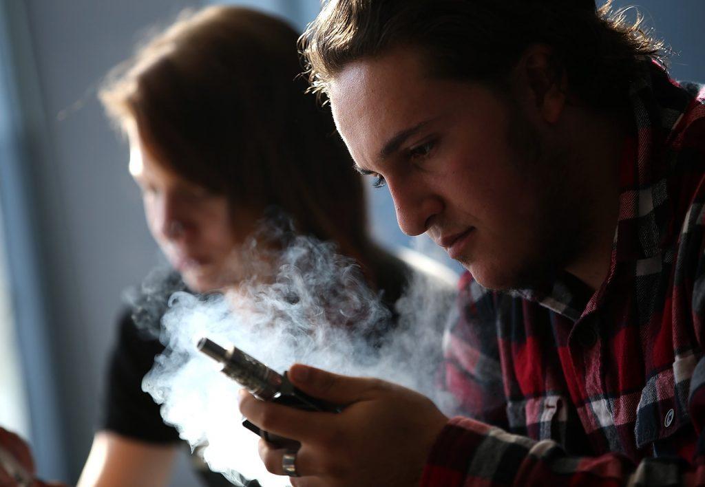Si ta Dini Nëse Fëmija Juaj Konsumon Duhanin