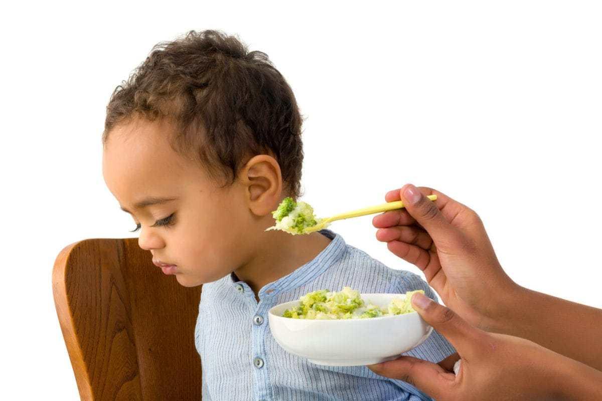 Çfarë Duhet të Bëni Kur Fëmija Nuk do të Hajë Ushqime të Ngurta
