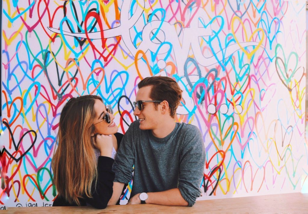 Këshillat më të Mira që Ju Duhen Burrave në Takimin e Parë (Nga Një Grua)
