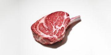 Përfitimet Shëndetësore të Mishit të Kuq
