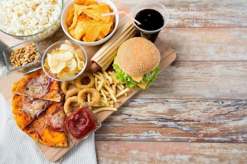 Ushqimet që Ndikojn në Plakjen e Parakohshme