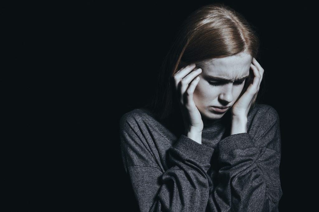 Si ta Luftoni Migrenën në Kushte Shtëpie